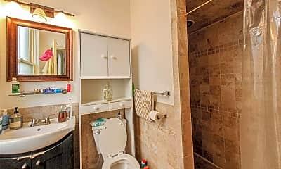 Bathroom, 262 Warren St, 2