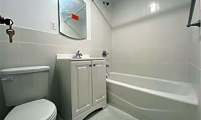 Bathroom, 167 Sands St 405, 1