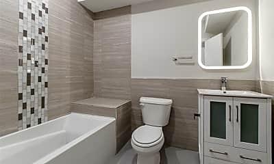 Bathroom, 1829 E Sergeant St, 2
