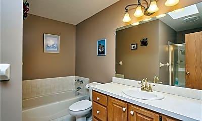 Bathroom, 1220 W Bath Rd, 2