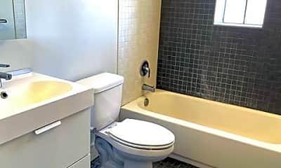 Bathroom, 402 E 9th St 210, 2