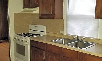 Kitchen, 418 N Van Buren Ave, 2