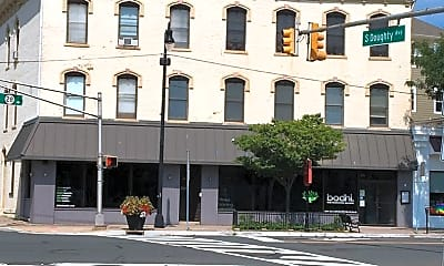 Building, 200 W Main St, 0