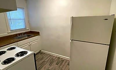Kitchen, 2101 Kecoughtan Rd, 1