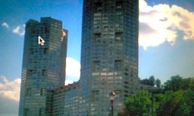 Building, 7004 Boulevard E 27B, 2