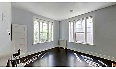 Building, 371 Harvard St, 1