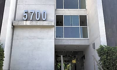 5550 Wilshire at Miracle Mile by Windsor, 1