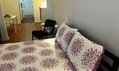 Bedroom, 653 Michigan Ave, 1