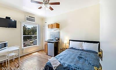 Bedroom, 907 W 17th St, 1
