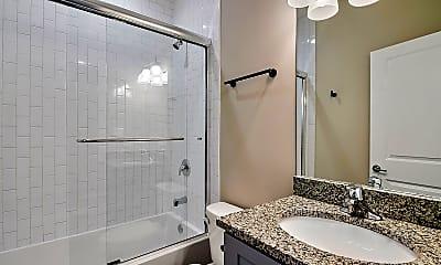 Bathroom, 6333 S Ellis Ave, 2