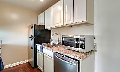Kitchen, 415 Washington Blvd, 2