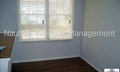 Bedroom, 213 N Center Ave, 2