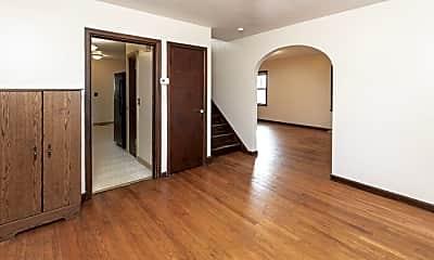 Living Room, 4917 Graceland Ave, 2