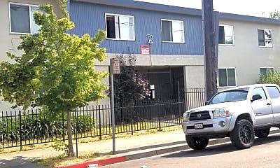 Building, 1590 Oregon Street, 1