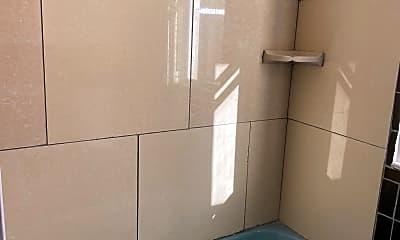 Bathroom, 2036 Bridge St, 2