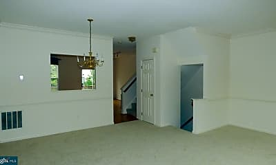 Living Room, 45482 Pine Trail Terrace, 2