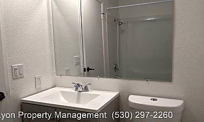Bathroom, 938 North St, 1