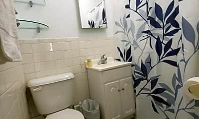 Bathroom, 237 E 28th St, 2