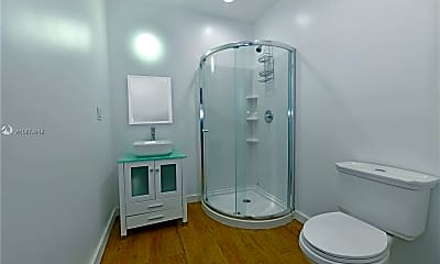 Bathroom, 3045 NE 16th Ave 431, 2