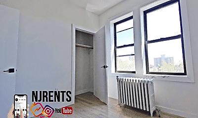 Bedroom, 6415 Broadway, 1