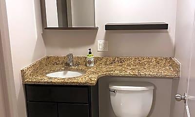 Bathroom, 4616 N Spaulding Ave, 2