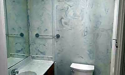 Bathroom, 2208 Longest Ave, 2