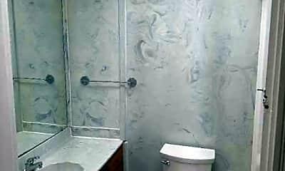 Bathroom, 2208 Longest Ave, 2