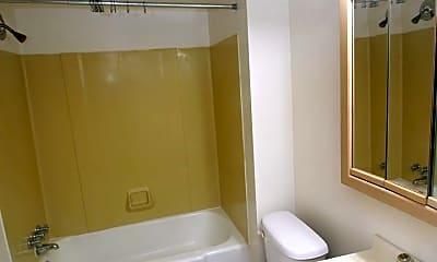 Bathroom, 1023 St Paul St, 2