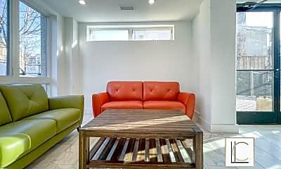 Living Room, 1016 17th Pl NE, 1