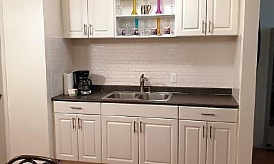 Kitchen, 1329 Highland Ave 1329, 2