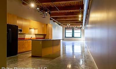 Building, 901 Washington Ave, 1