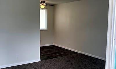 Living Room, 1365 Magnolia Ave, 1