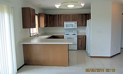 Building, 10 Redtail Ct, 1