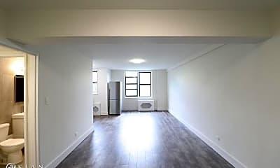 Living Room, 132-25 Maple Ave, 0
