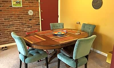 Dining Room, 920 Margarite Dr, Apt G, 1
