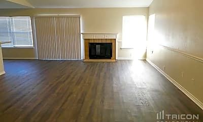 Living Room, 1807 Wallingford Dr, 1