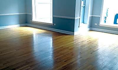 Living Room, 708 N Dearborn St, 1
