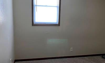 Living Room, 307 N Corn St, 2