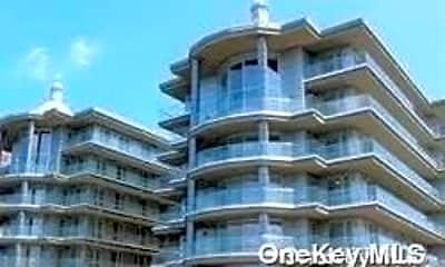 Building, 109-9 15th Ave E303, 0
