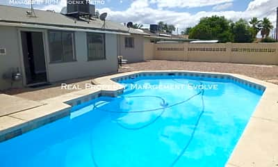 Pool, 714 W 19Th St, 2