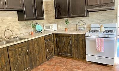 Kitchen, 1008 W 2nd St, 1