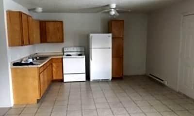 Kitchen, 401 Plaza Heights Rd, 1