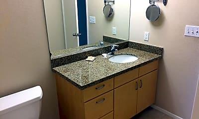 Bathroom, 445 Island Ave #613, 2