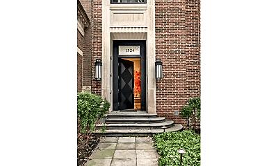 Building, 1524 N Astor St, 1