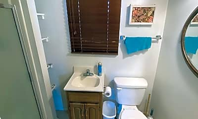 Bathroom, 706 Railroad Ave, 2