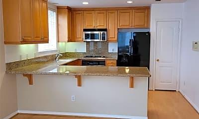Kitchen, 632 Meyer Ln A, 1