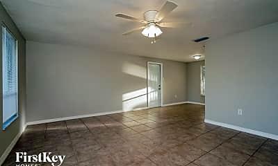 Living Room, 2582 Lake View Blvd, 1
