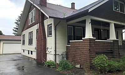 Building, 116 Oakwood Ave, 2