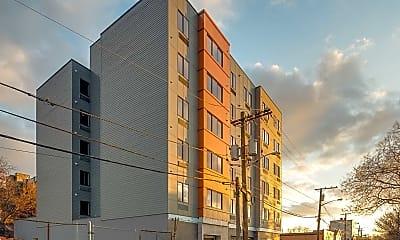 Building, 424 Whiton Street Luxury Apartments, 2
