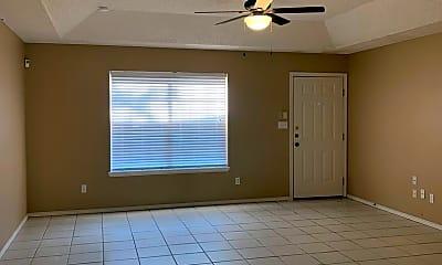 Living Room, 717 Mynah Ave, 1